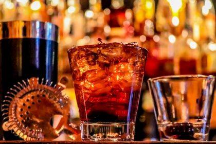 alcohol can cause gynecomastia